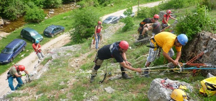 Тренировка на Софийския отряд на Пещерно спасяване