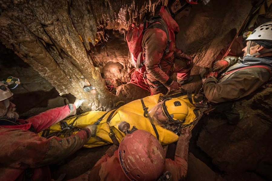 Как да реагираме при инцидент в пещера